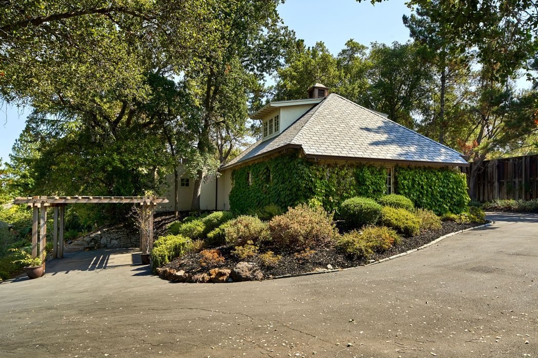 702 Loyola Dr Los Altos, CA 94024