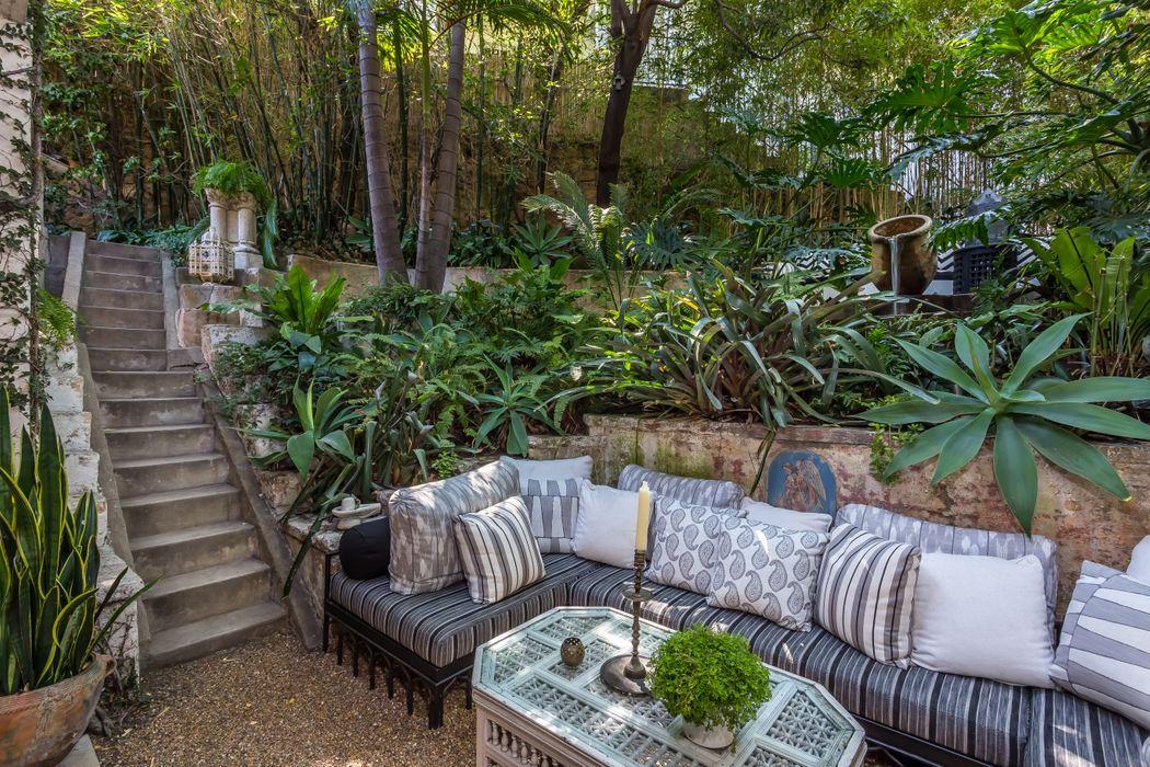 2058 Watsonia Terrace Los Angeles, CA 90068