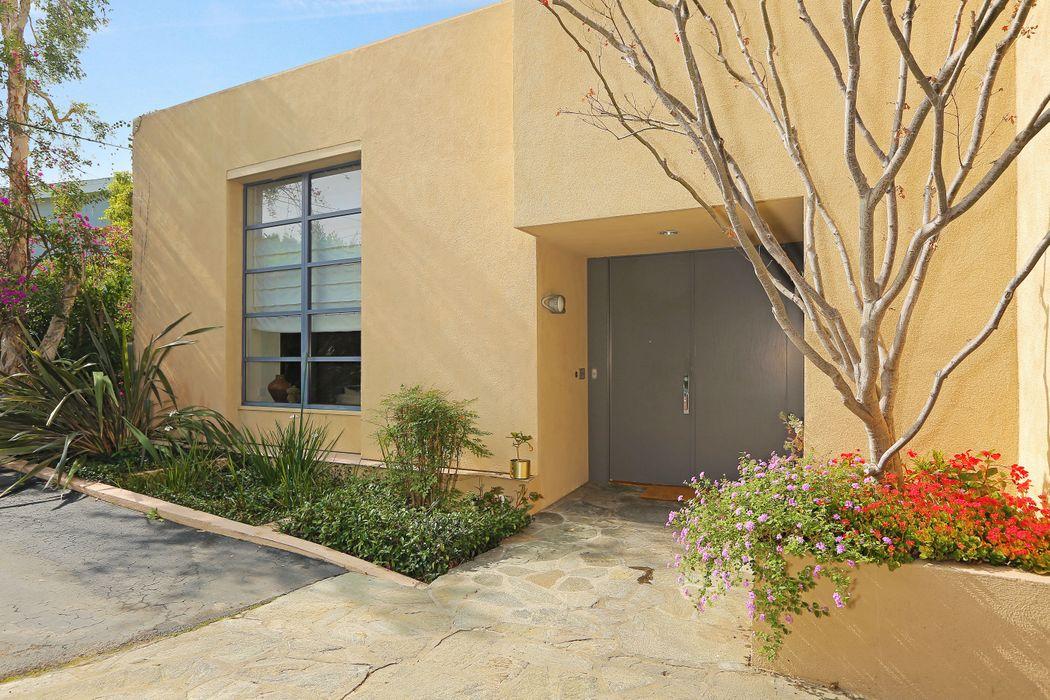 641 Walther Way Los Angeles, CA 90049