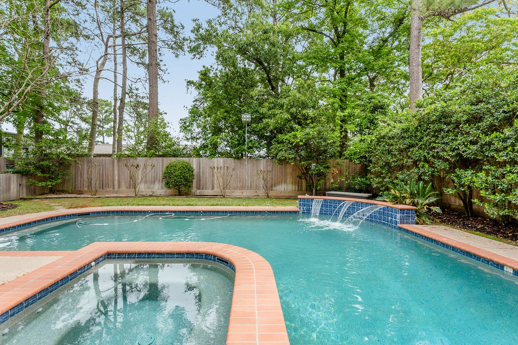 13714 Balmore Circle Houston, TX 77069