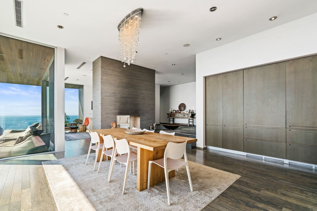 Panoramic Ocean View Contemporary Estate Malibu, CA 90265