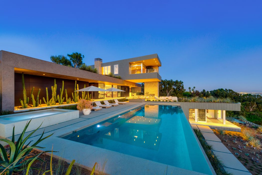 1360 summitridge place beverly hills ca 90210 sotheby for Luxury homes in beverly hills ca