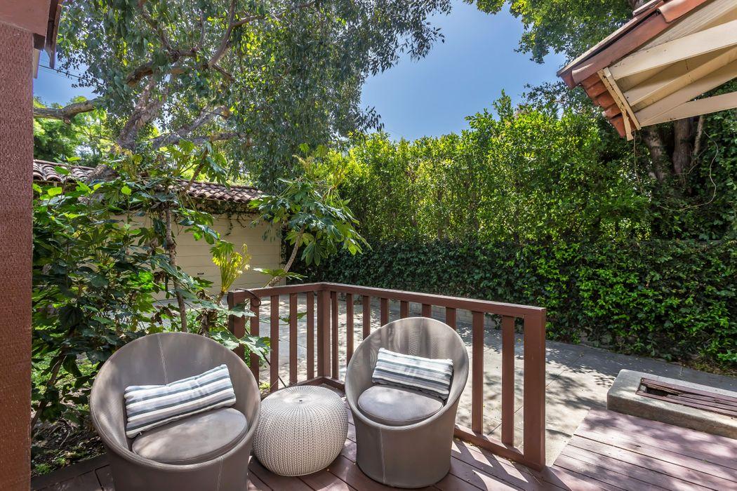 1226 South Curson Avenue Los Angeles, CA 90019