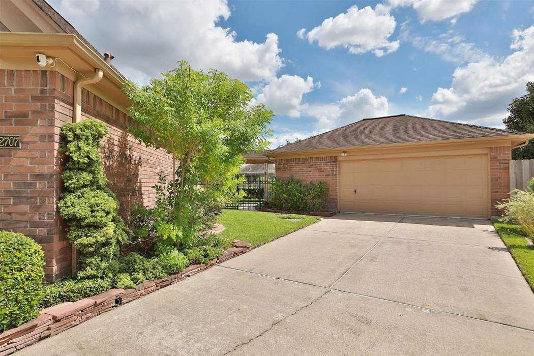 12707 Reedwood Ridge Road Houston, TX 77065