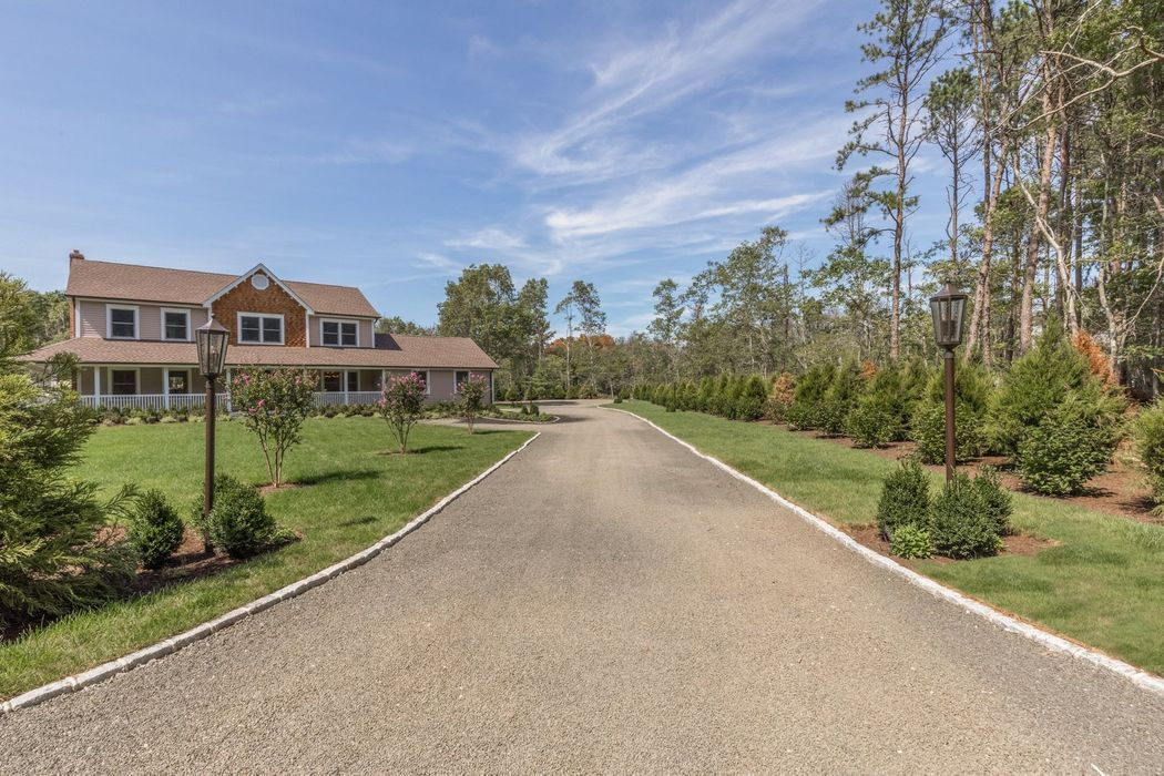 641 Little Bird Road East Hampton, NY 11937