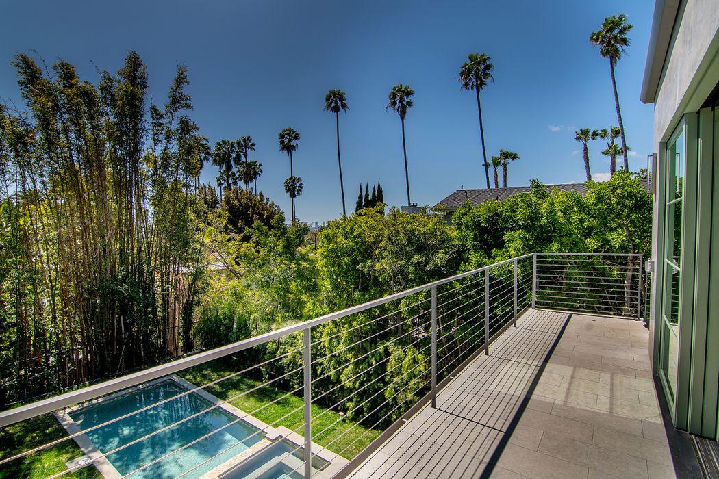 7414 Franklin Avenue Los Angeles, CA 90046