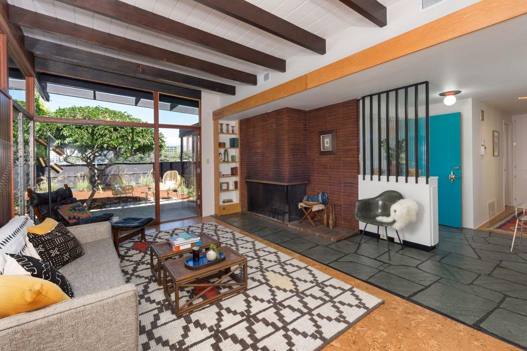3409 Oak Glen Drive Los Angeles, CA 90068