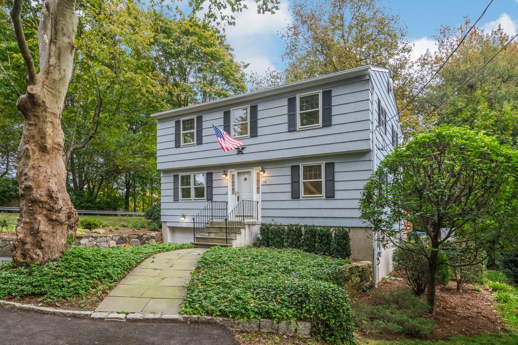 30 Pleasant Street Riverside, CT 06878