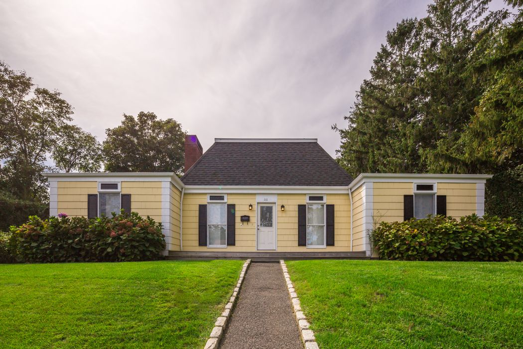 111 Old Town Road Southampton, NY 11968