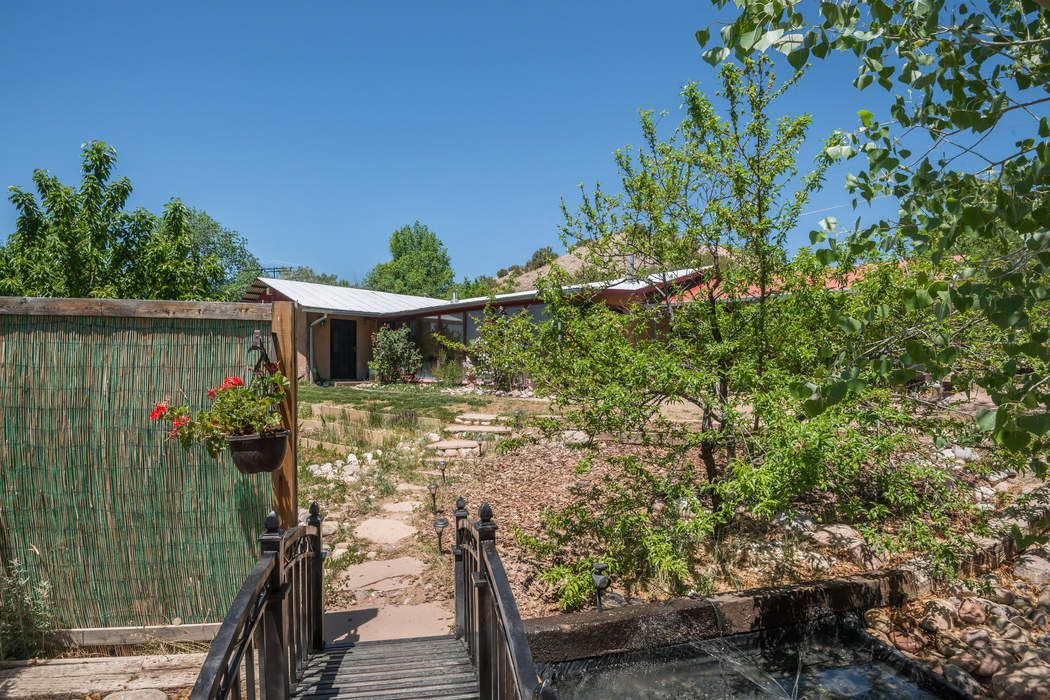 25 Private Road 1449, Off Cr 100 Chimayo, NM 87522