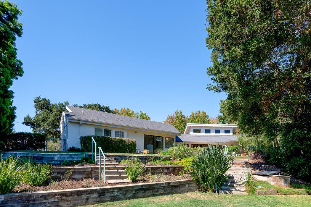19 La Lita Lane Santa Barbara, CA 93105