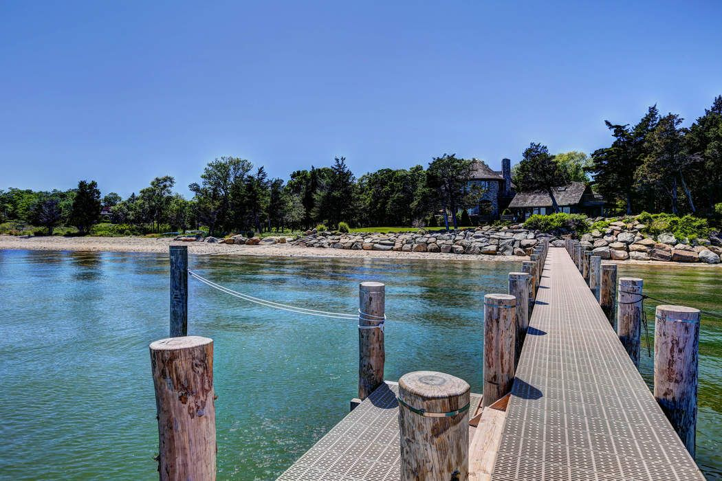8 Forest Rd Sag Harbor, NY 11963