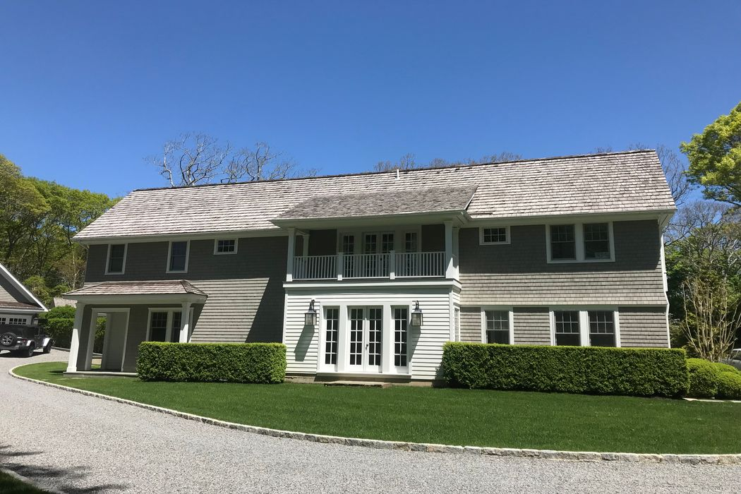 105 Cove Hollow Road East Hampton, NY 11937