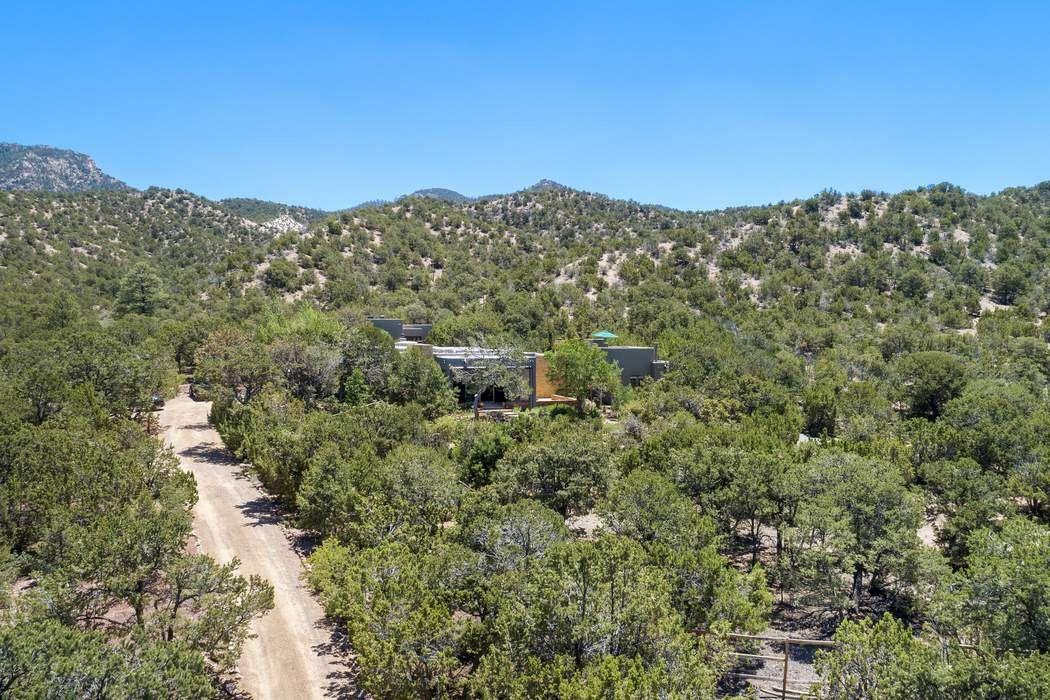 85 Camino Amor Santa Fe, NM 87506
