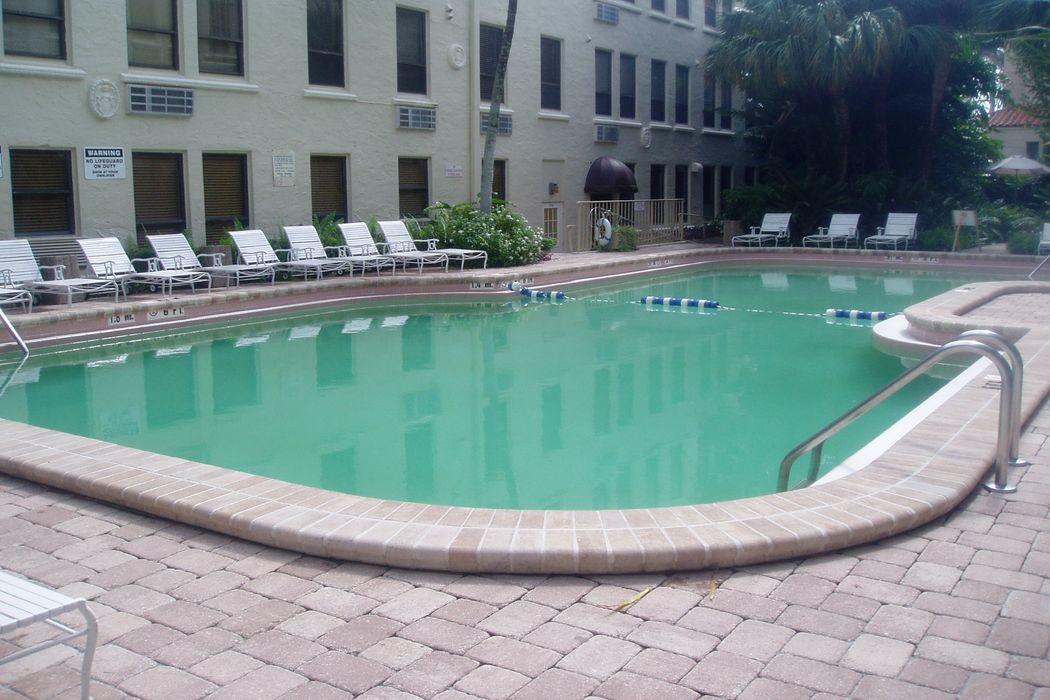 235 Sunrise Ave Palm Beach, FL 33480