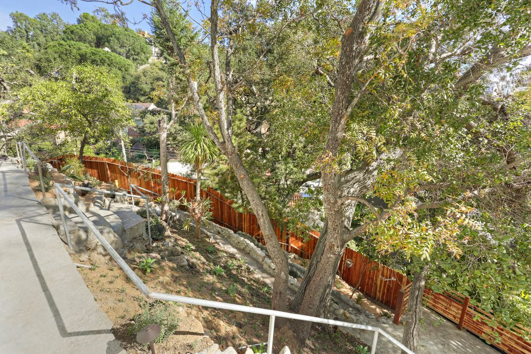 2780 Woodshire Drive Los Angeles, CA 90068