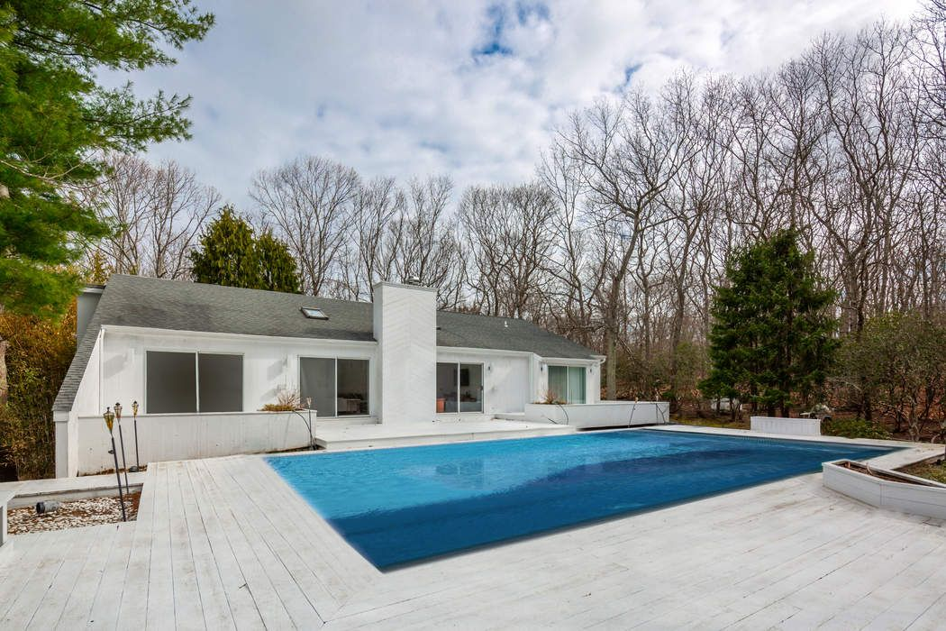 1576 Millstone Road Bridgehampton, NY 11932