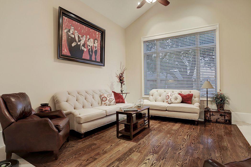 6705 Avenue B Bellaire, TX 77401