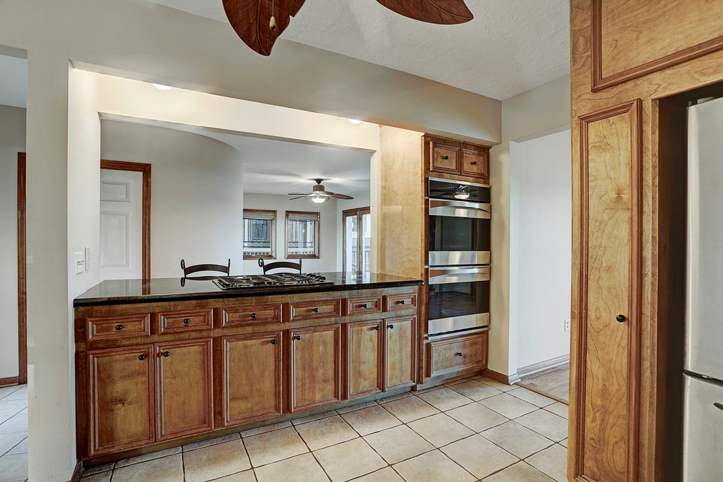 707 Shorewood Drive Seabrook, TX 77586
