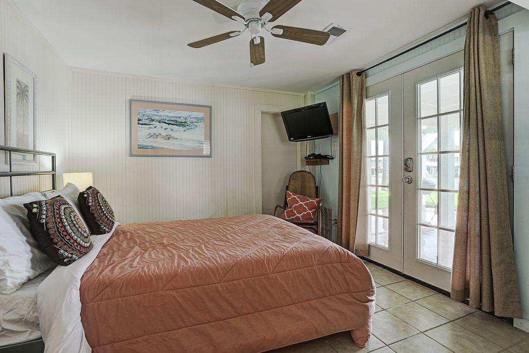 4530 Jamaica Cove Road Galveston, TX 77554