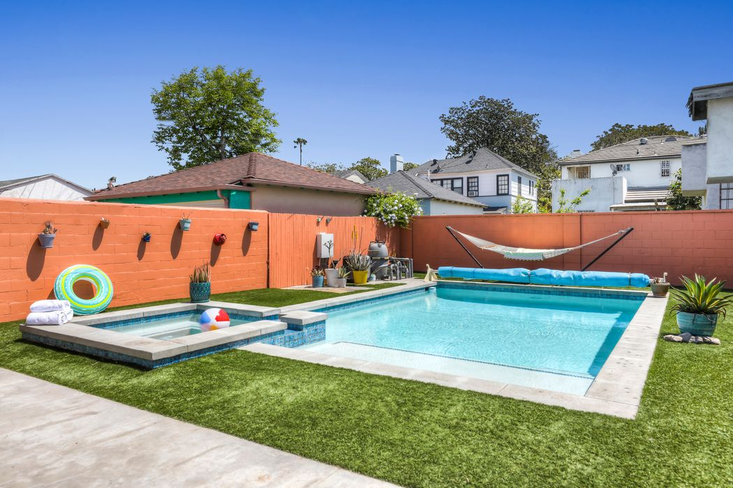 3940 Welland Avenue Los Angeles, CA 90008