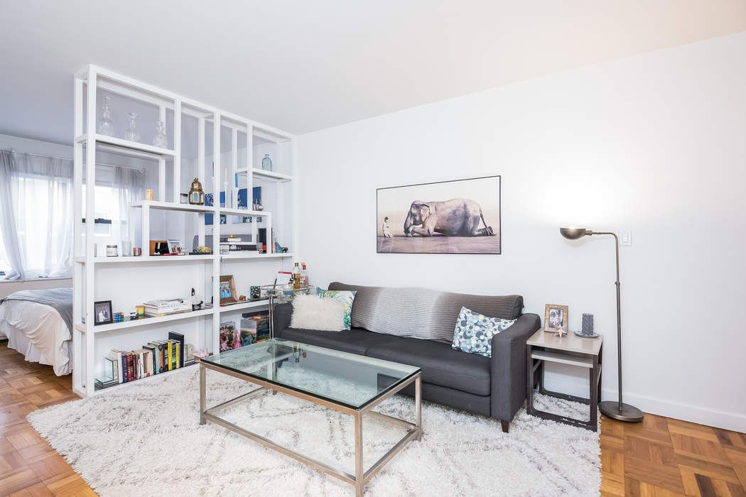 301 East 69th Street Apt 3A