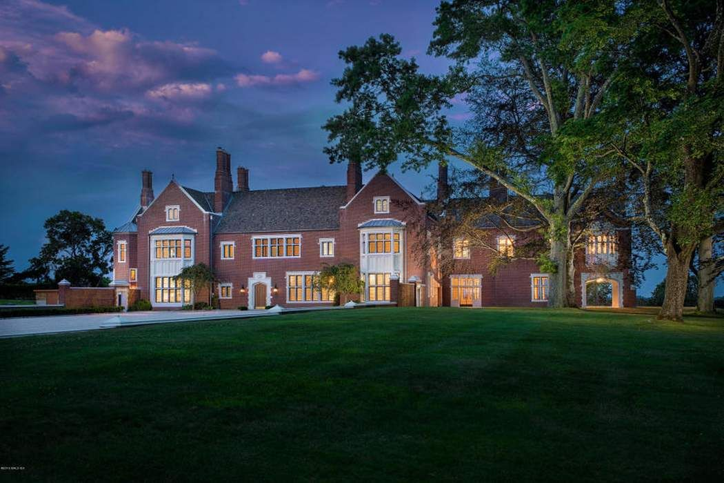 521 round hill road greenwich ct 06831 sotheby 39 s for Luxury homes for sale in greenwich ct