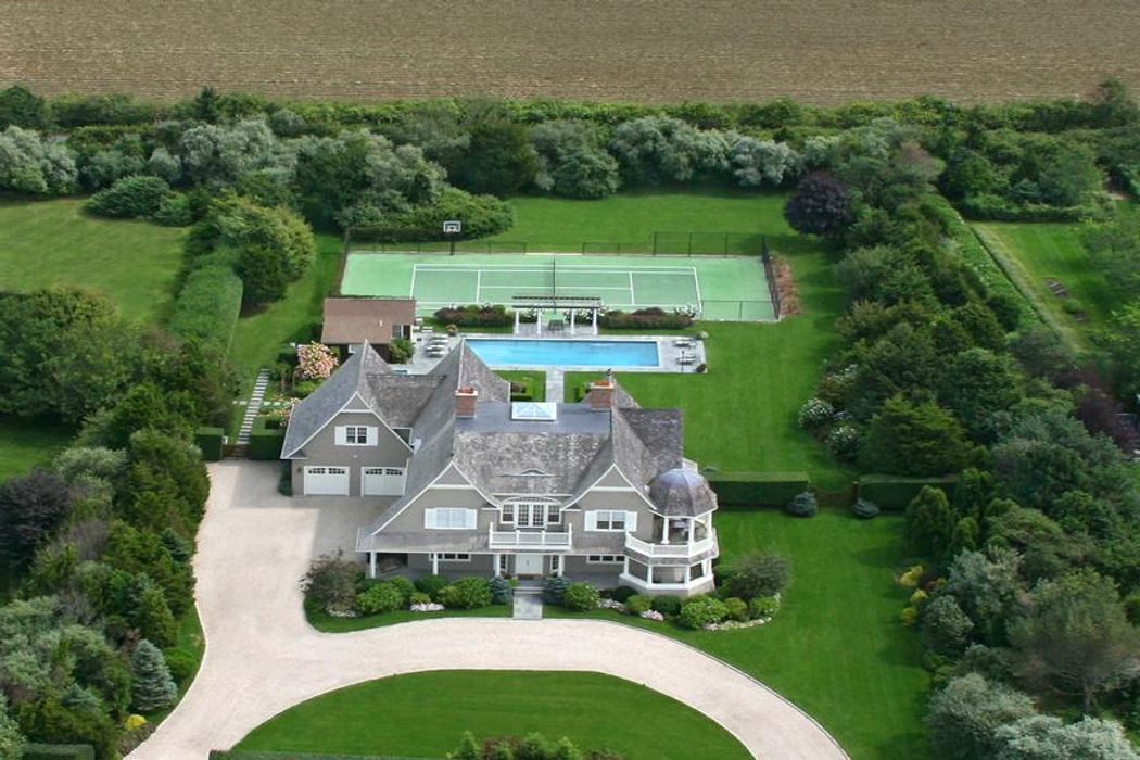 Sagaponack With Tennis and Guest Cottage Sagaponack, NY 11962