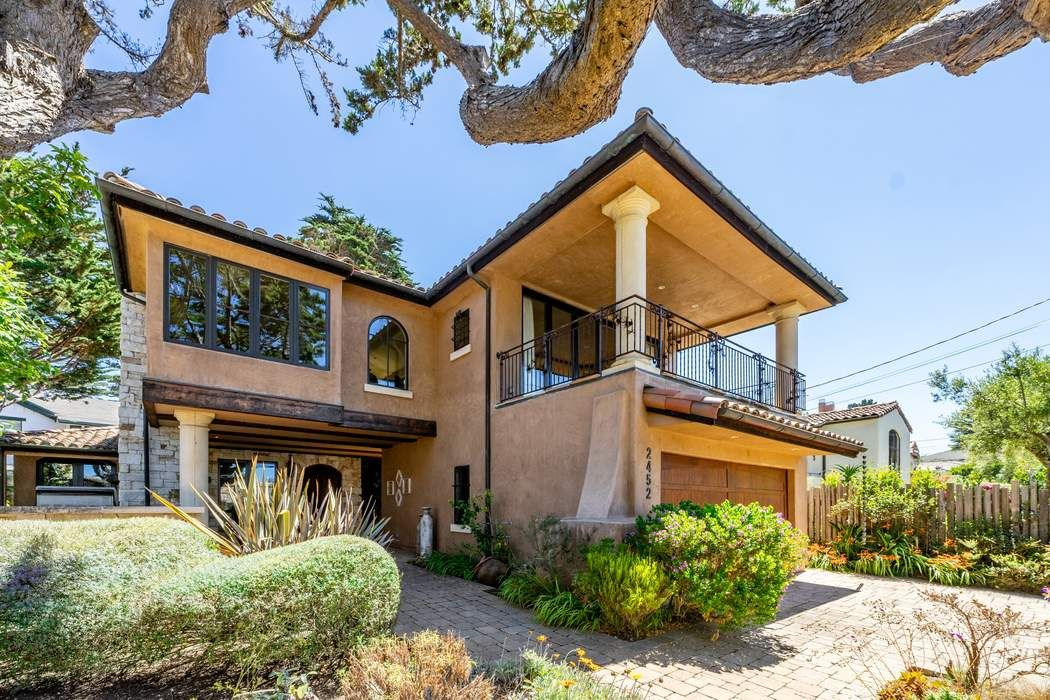 2452 Bay View Avenue Carmel, CA 93923