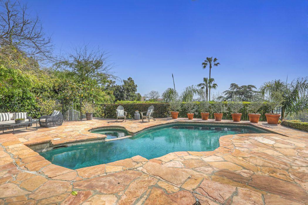 4301 Parva Avenue Los Angeles, CA 90027