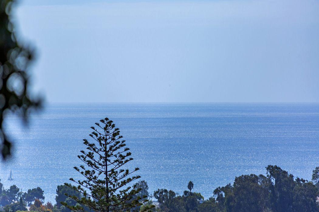 14739 Mc Kendree Pacific Palisades, CA 90272