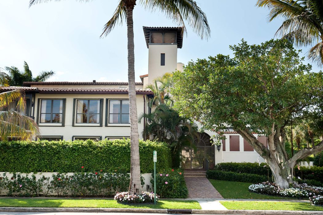 Lovely Palm Beach Seasonal Rental