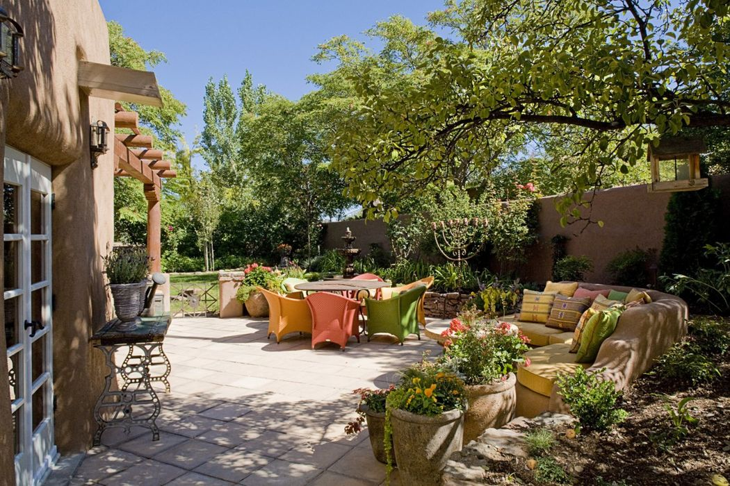 445 Camino Monte Vista Santa Fe, NM 87506