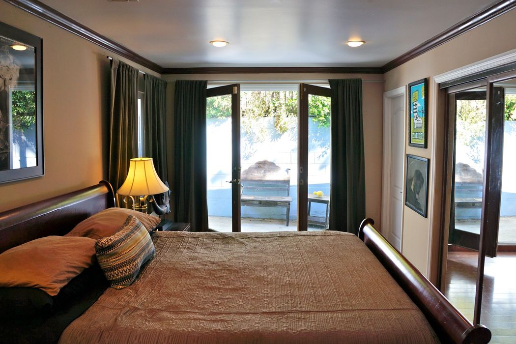2016 Lake Shore Ave Los Angeles, CA 90039