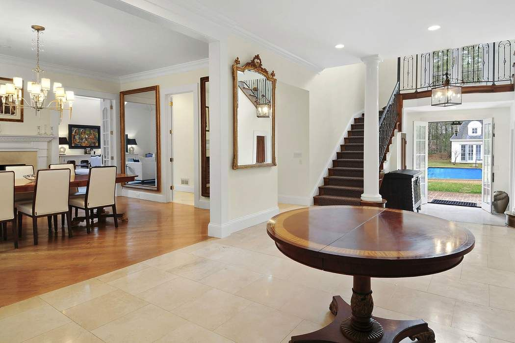 32 Bull Path East Hampton, NY 11937