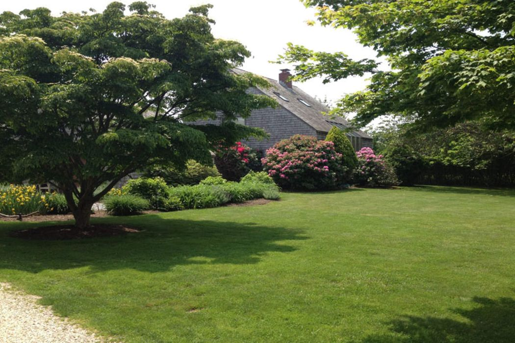 Wonderful Saltbox Sagaponack, NY 11962