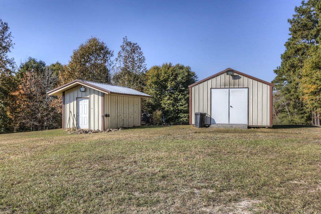 925 Moore Farm Road Zavalla, TX 75980