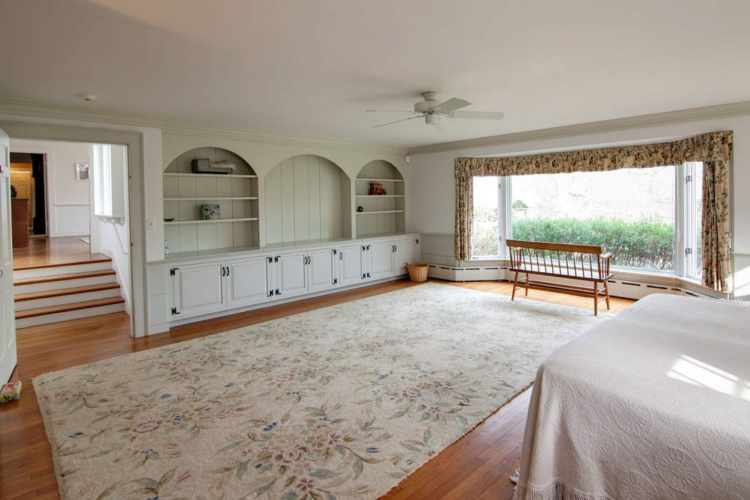 61 Gansett Road Woods Hole, MA 02543