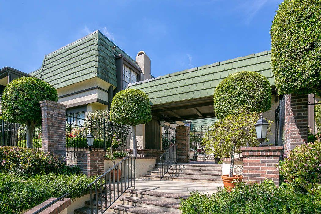 885 South Orange Grove Boulevard Pasadena, CA 91105