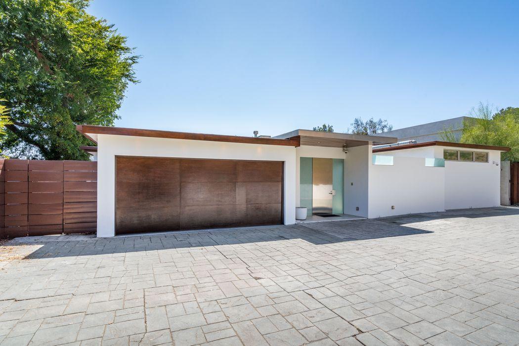 9231 Warbler Way Los Angeles, CA 90069