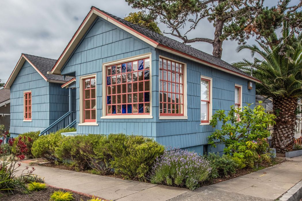 Quintessential Pacific Grove Cottage
