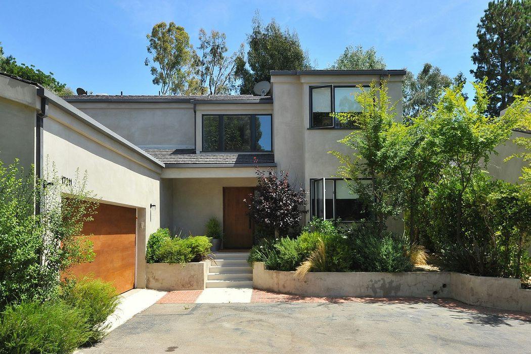 17211 Avenida De La Herradurra Pacific Palisades, CA 90272