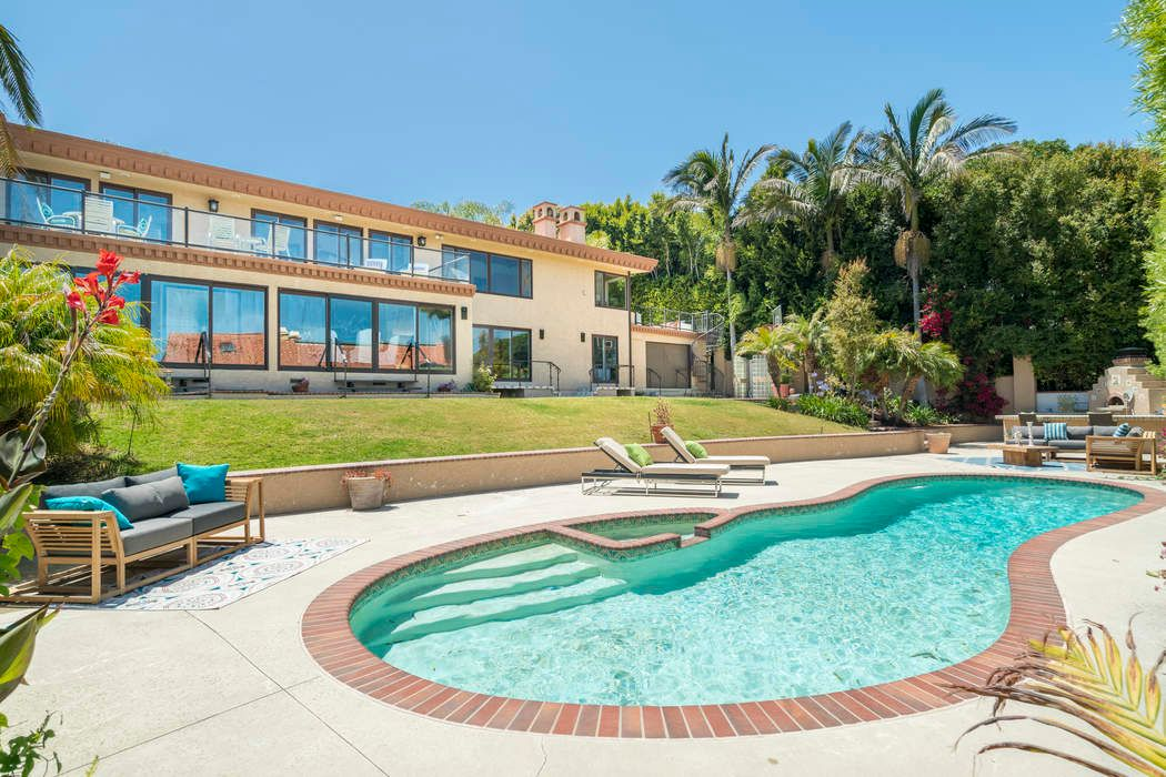 Point Dume Gated Estate w/Pool