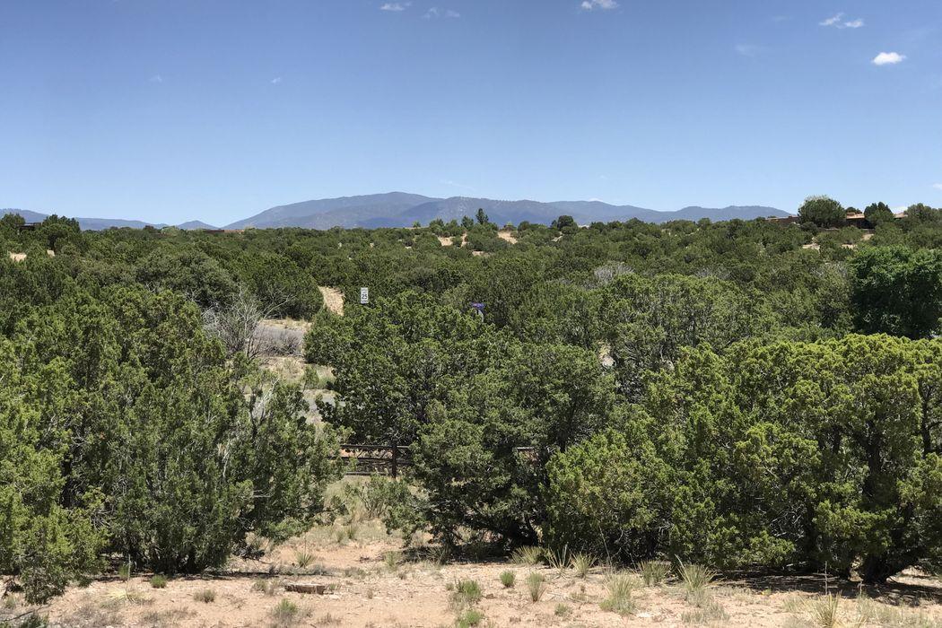 34-B Camino Peralta Santa Fe, NM 87507