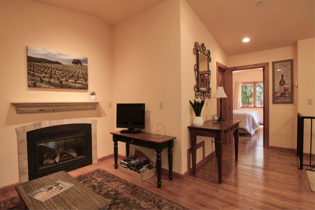 4611 Warm Springs Rd Glen Ellen, CA 95442