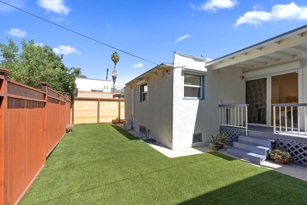 1853 North Mariposa Avenue Los Angeles, CA 90027
