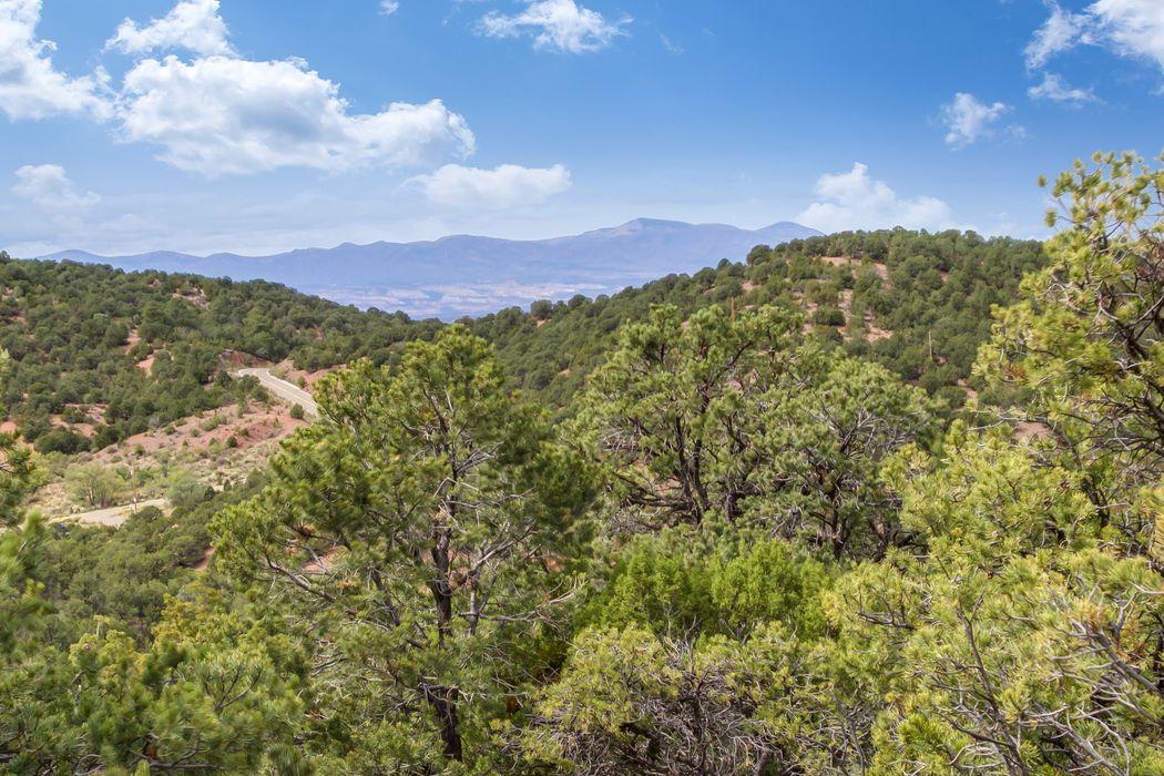 1116 South Summit Ridge Santa Fe, NM 87501