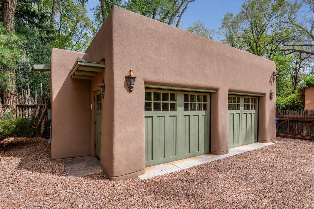 1001 E. Alameda Street Santa Fe, NM 87501