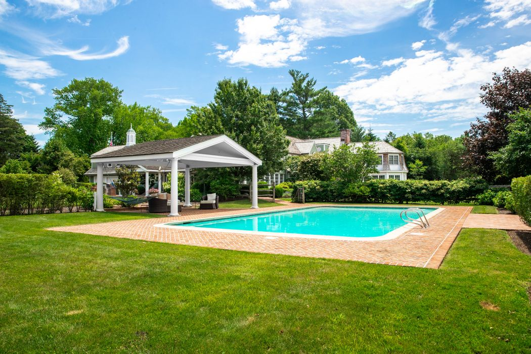 21 Clapboard Ridge Road Greenwich, CT 06830