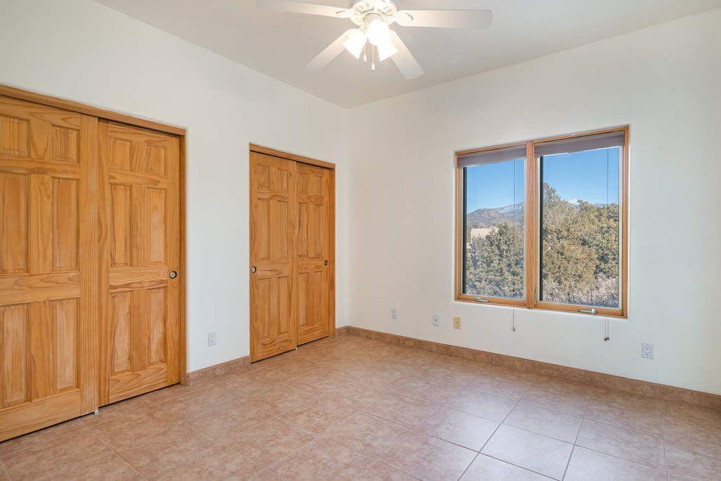 2748 Herradura Rd Santa Fe, NM 87505